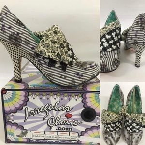 Irreg Choice Black White Floral Flick Flack Pump
